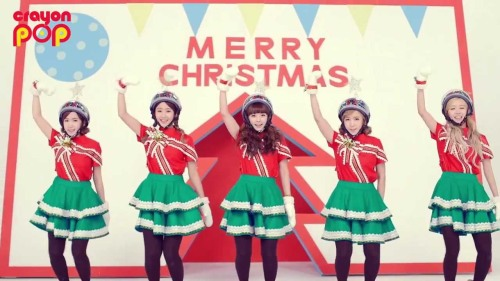"""Crayon Pop - """"Lonely Christmas"""" (still from Youtube)"""